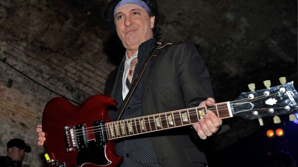 Sylvain Sylvain, do New York Dolls, morre aos 69 anos - Blog n' Roll