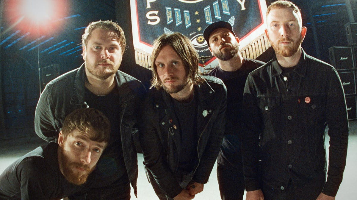 "While She Sleeps lança single; confira ""You Are All You Need"" - Blog n' Roll"